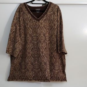 Easy fit 3/4 sleeve tee brown lace at neck
